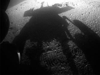 Cleaner NASA Rover Sees Its Shadow